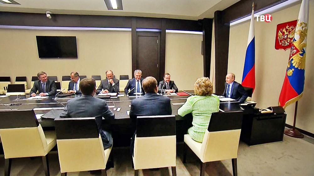Владимир Путин на совещании с постоянными членами Совбеза
