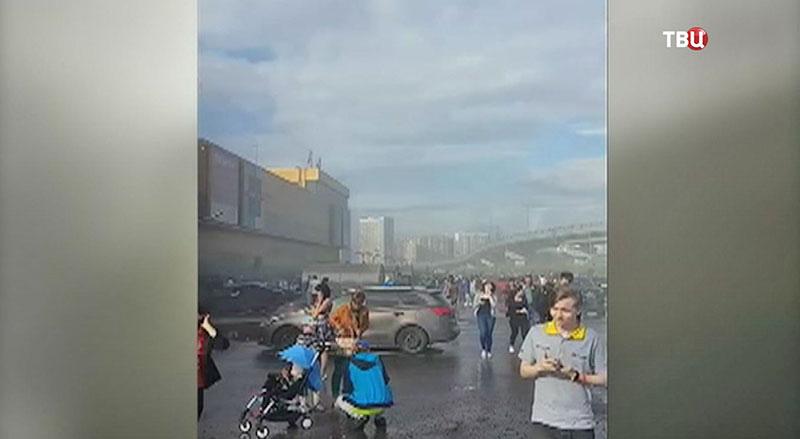 """Пожар в ТРЦ """"РИО"""" на Дмитровском шоссе"""