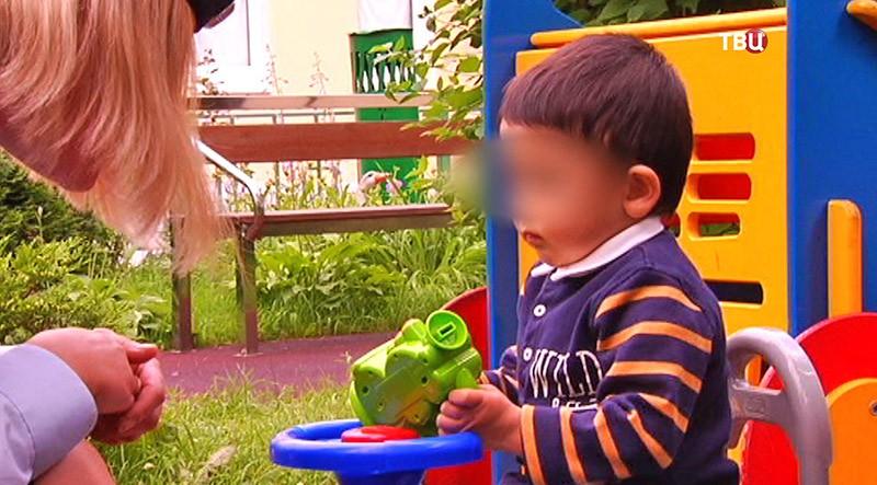 Брошенный в Москве двухлетний мальчик