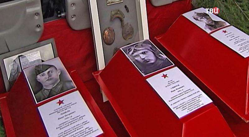 Церемония прощания с солдатами