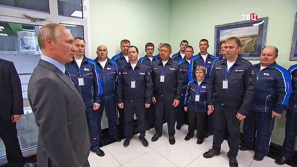 Президент России Владимир Путин посетил Нижне-Бурейскую гидроэлектростанцию