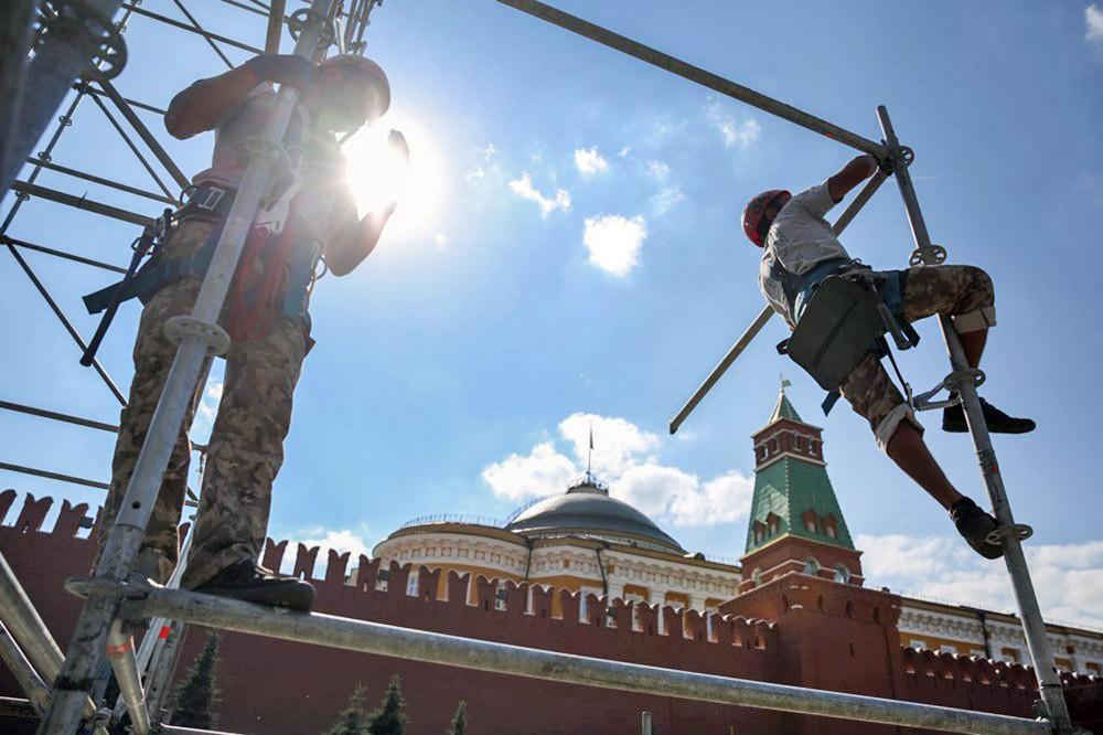 Монтаж сцены на Красной площади