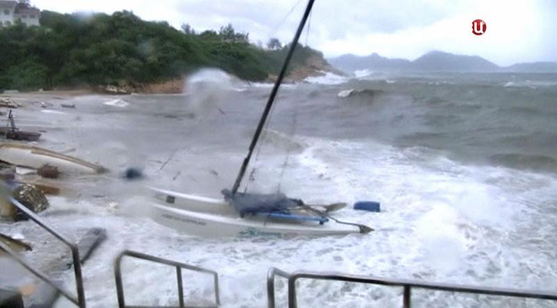 Тайфун в Гонконге
