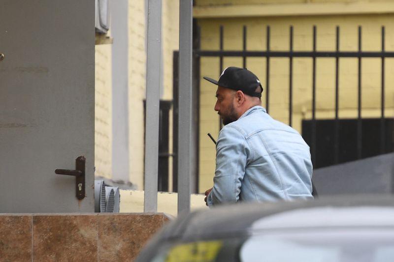 Кирилл Серебренников у Басманного суда Москвы