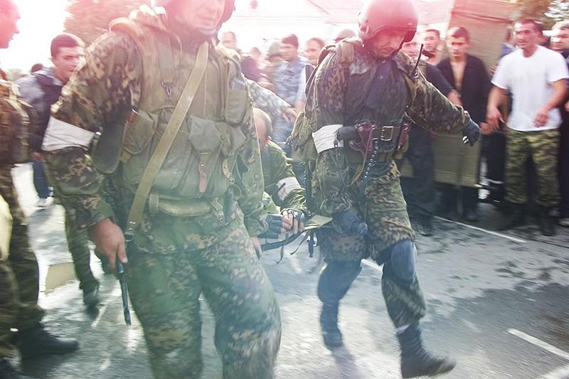 Спецназ во время штурма школы №1 в Беслане, 2004 год