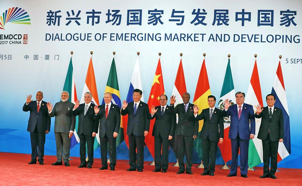 Участники саммита БРИКС в Китае