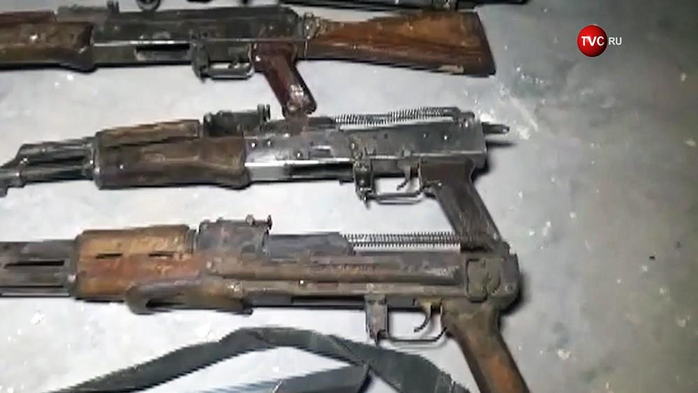 Изъятое оружие террористов в Сирии