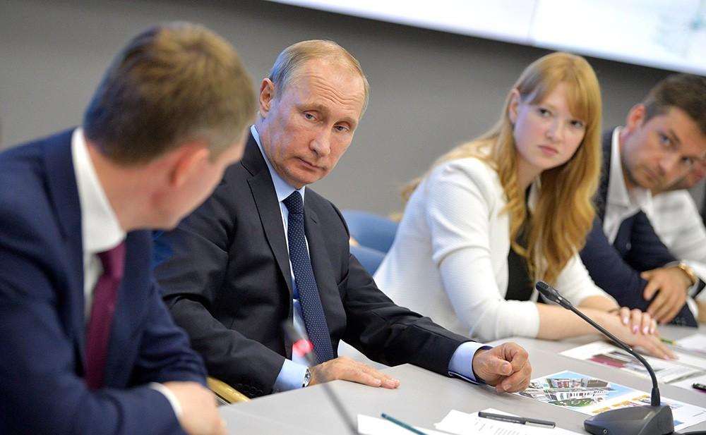 Президент России Владимир Путин на совещании