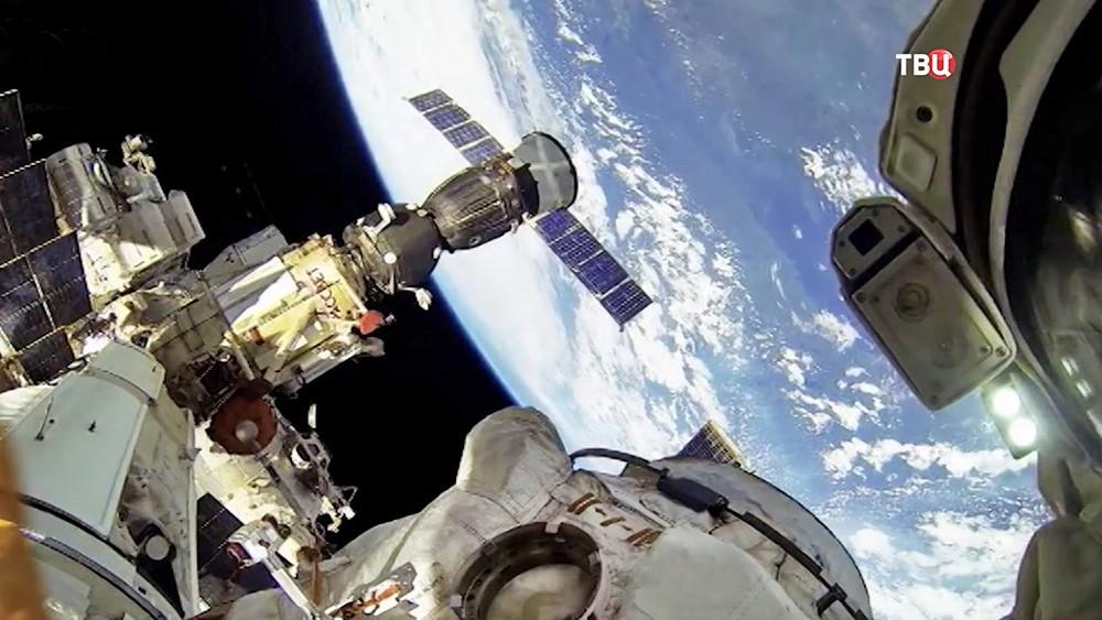 МКС на орбите Земли