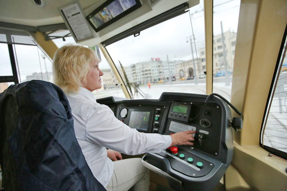 Движение трамваев на площади Тверская Застава