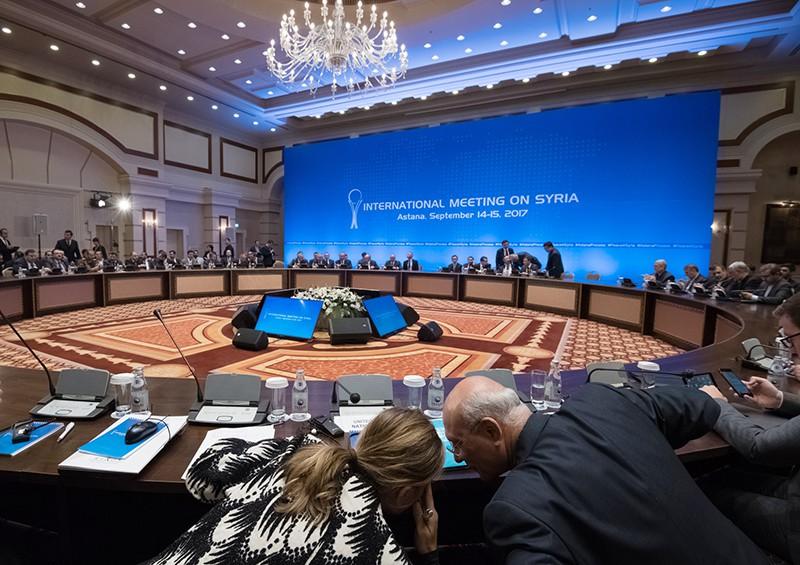 Российская Федерация, Иран иТурция совместно обеспечат мир всирийском Идлибе