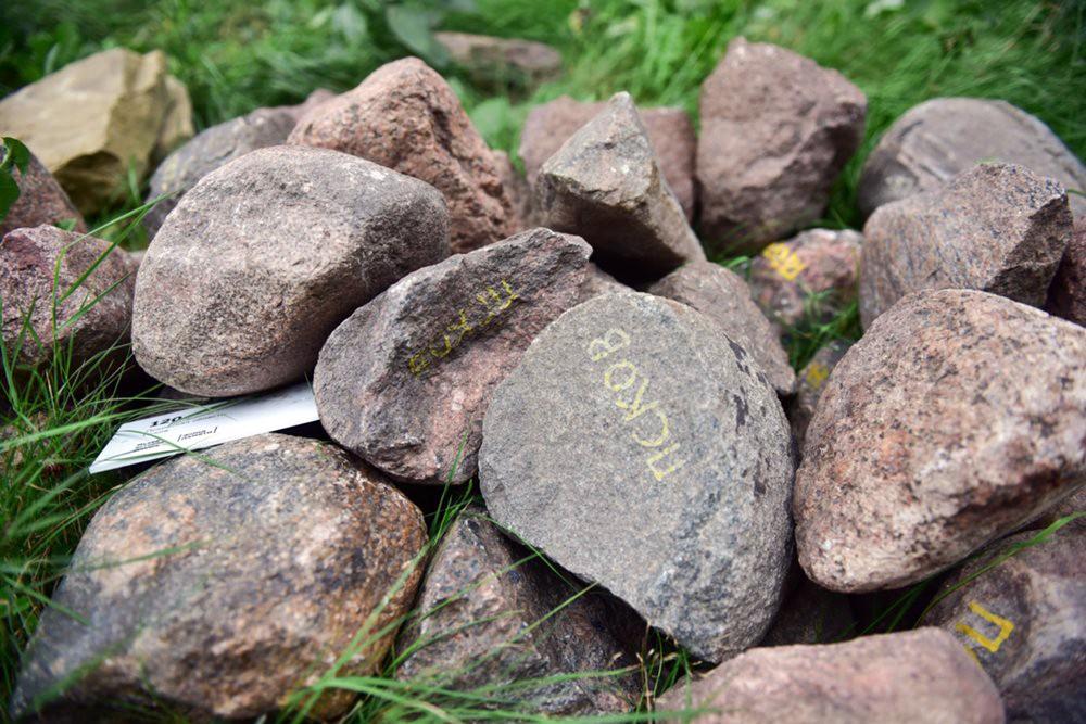 Передача камней из 58 регионов России Фондом памяти автору в Музее истории ГУЛАГа