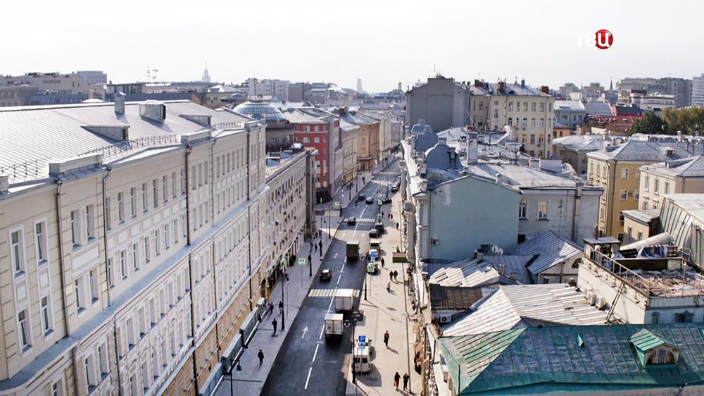 Собянин открыл улицу Петровка после благоустройства