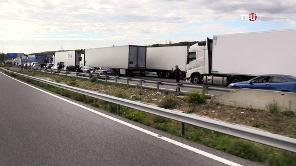 Бастующие в Каталонии перекрыли шоссе