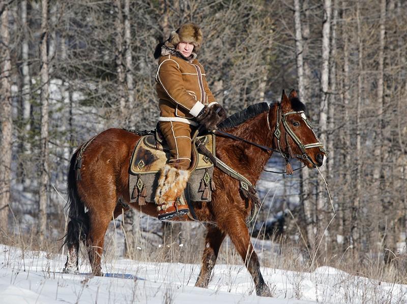 Владимир Путин в ходе рабочей поездки в республику Хакасия посетил предгорье Караташ близ Абакана