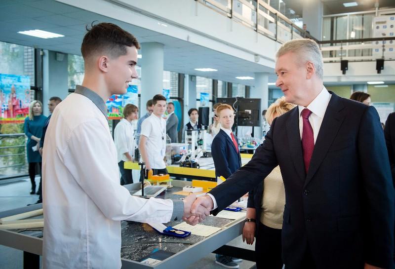 Сергей Собянин посетил детский образовательный комплекс