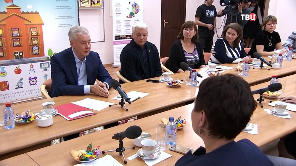 Московские власти увеличат выплаты малообеспеченным семьям в 5 раз