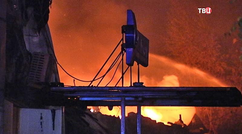 Пожар в торгово-офисном центре в Чехове