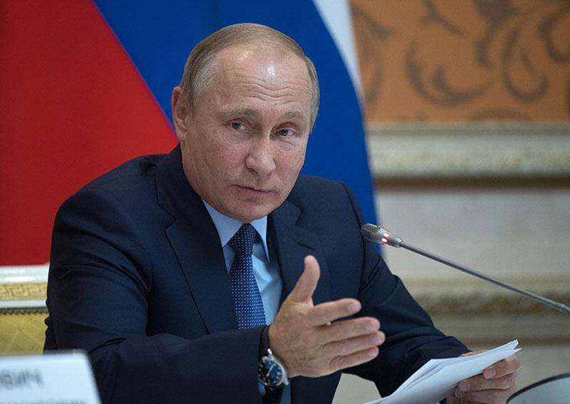 Президент России Владимир Путин проводит совещание по вопросам развития сельского хозяйства