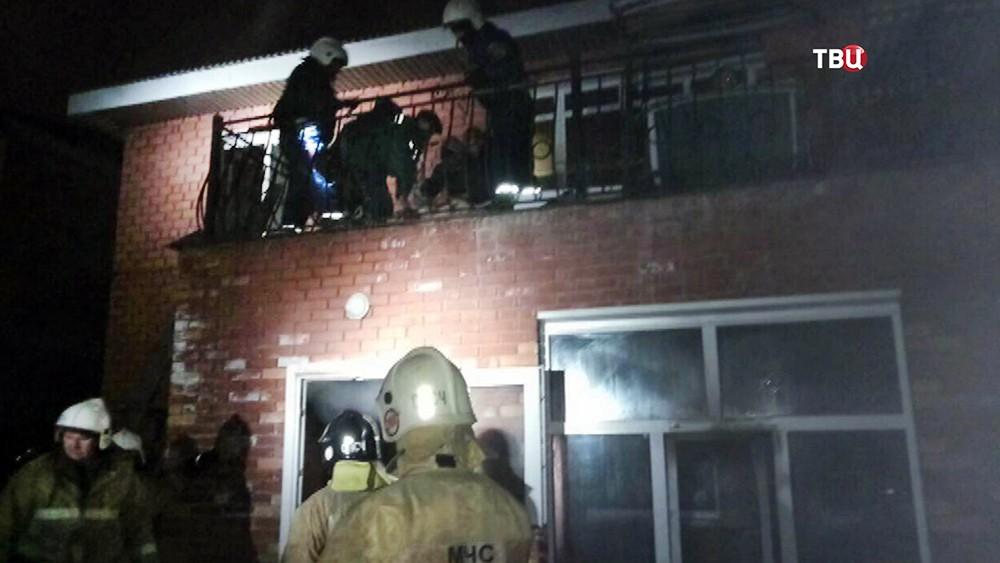 Последствия пожара в доме престарелых в Иркутске