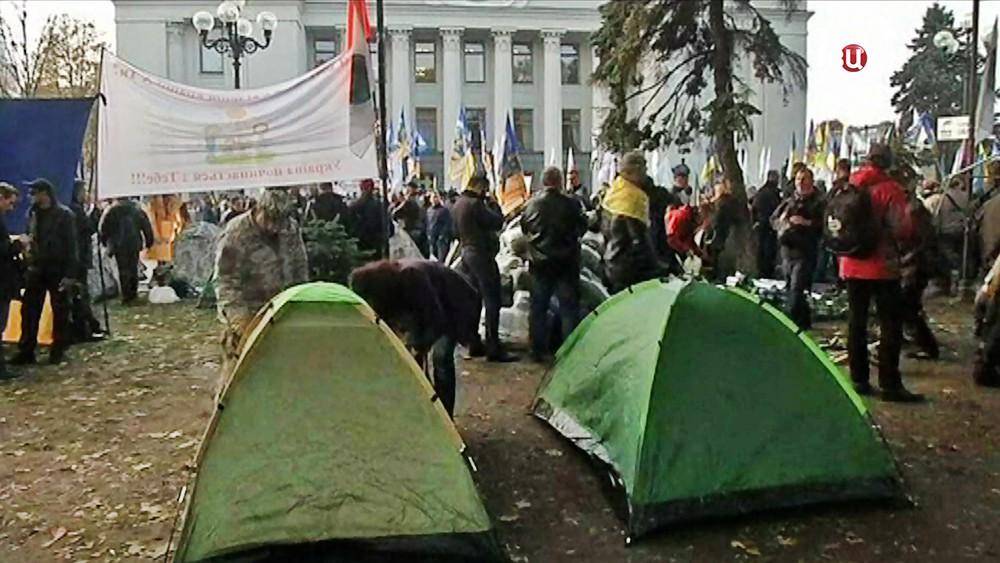 Палаточный лагерь у здания Верховной Рады Украины