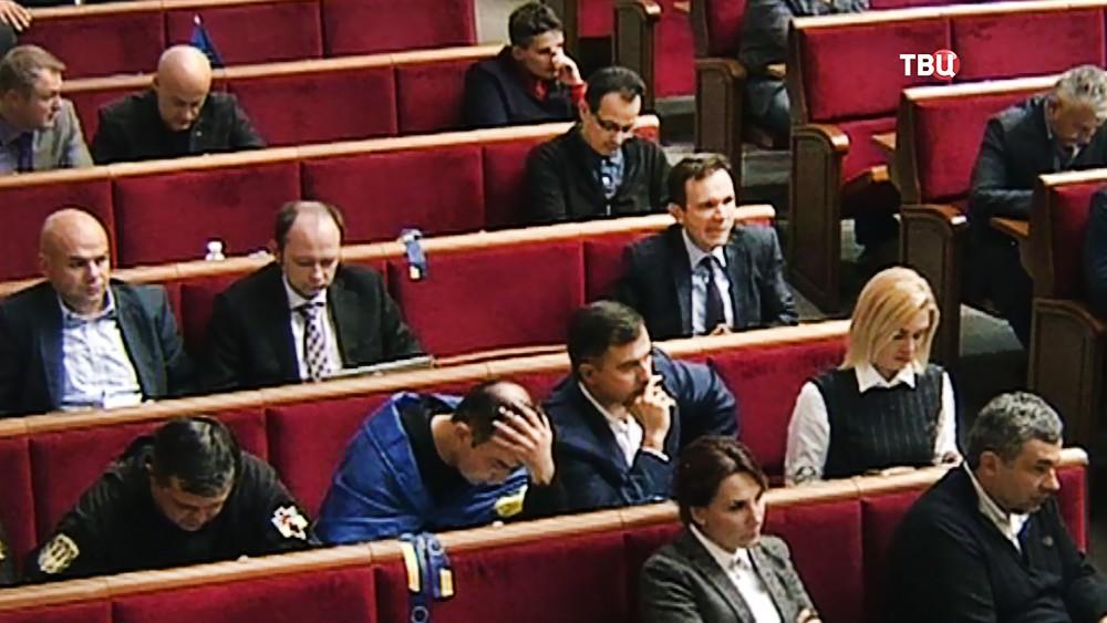 Депутаты на заседании Верховной Рады Рады