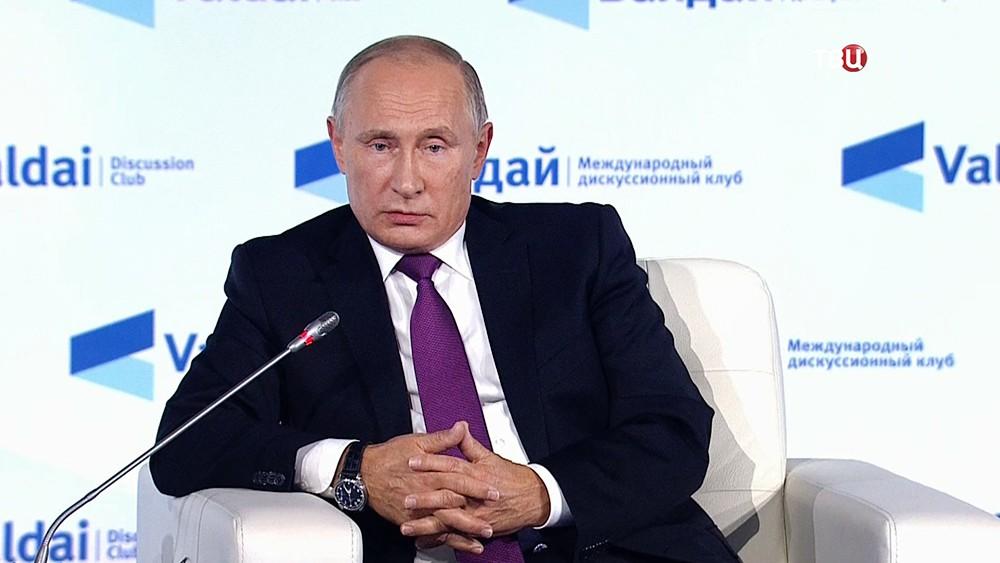 Путин обвинил Киев в саботаже Минского процесса