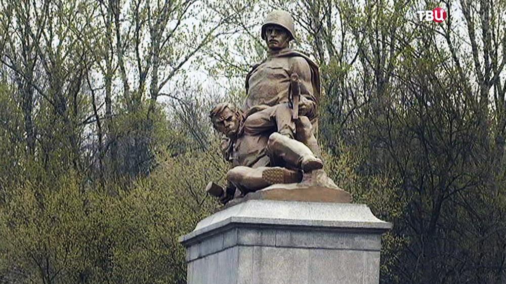 Памятник советским освободителям в Польше
