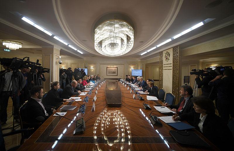 """Заседание по вопросам блокировки рекламных аккаунтов """"RT"""" и """"Sputnik"""" в Twitter"""