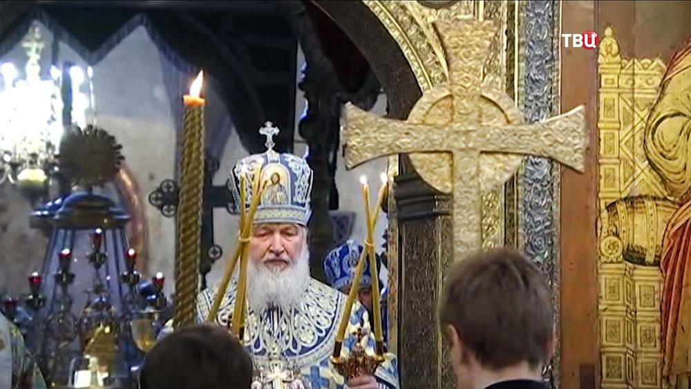 Патриарх Московский и всея Руси Кирилл во время праздничного богослужения