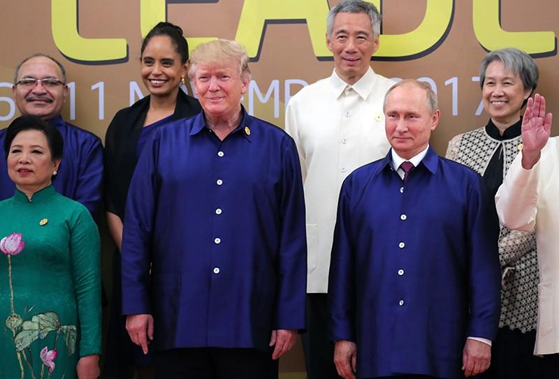 Саммит АТЭС во Вьетнаме. Президент России Владимир Путин и президент США Дональд Трамп