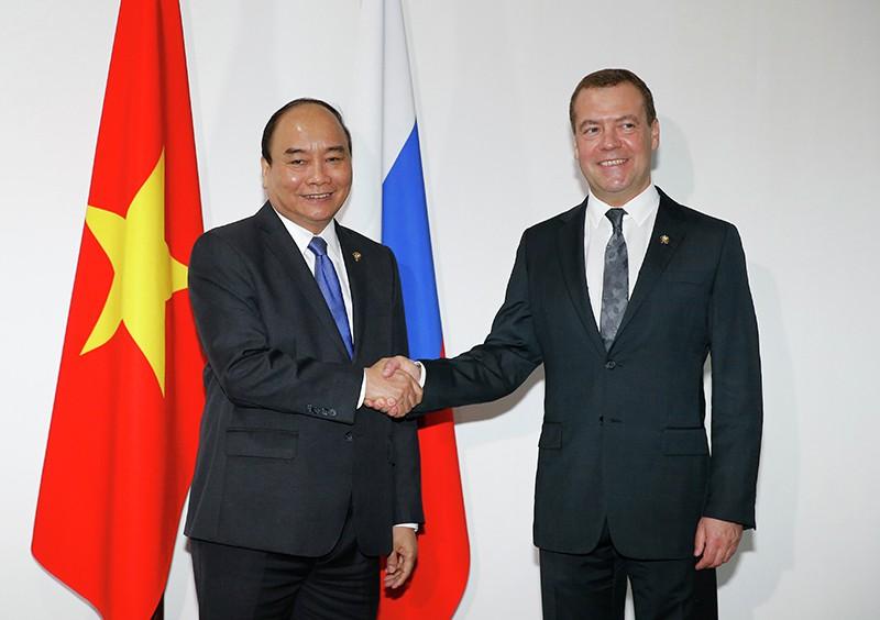 Председатель правительства РФ Дмитрий Медведев и премьер-министр Социалистической Республики Вьетнам Нгуен Суан Фук