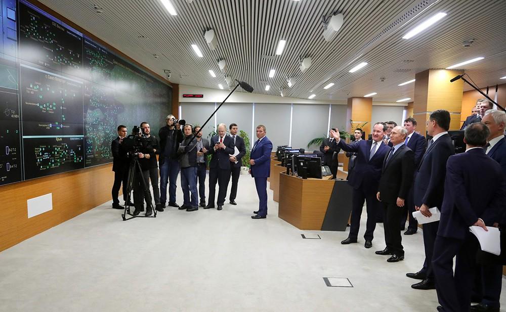 Владимир Путин принял участие в запуске электроподстанции