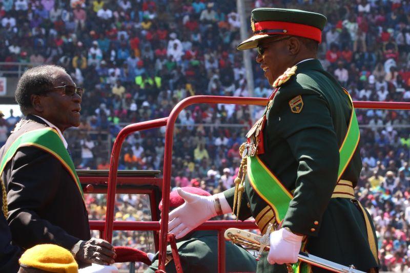 Военные захватили стратегический объект— Переворот вЗимбабве