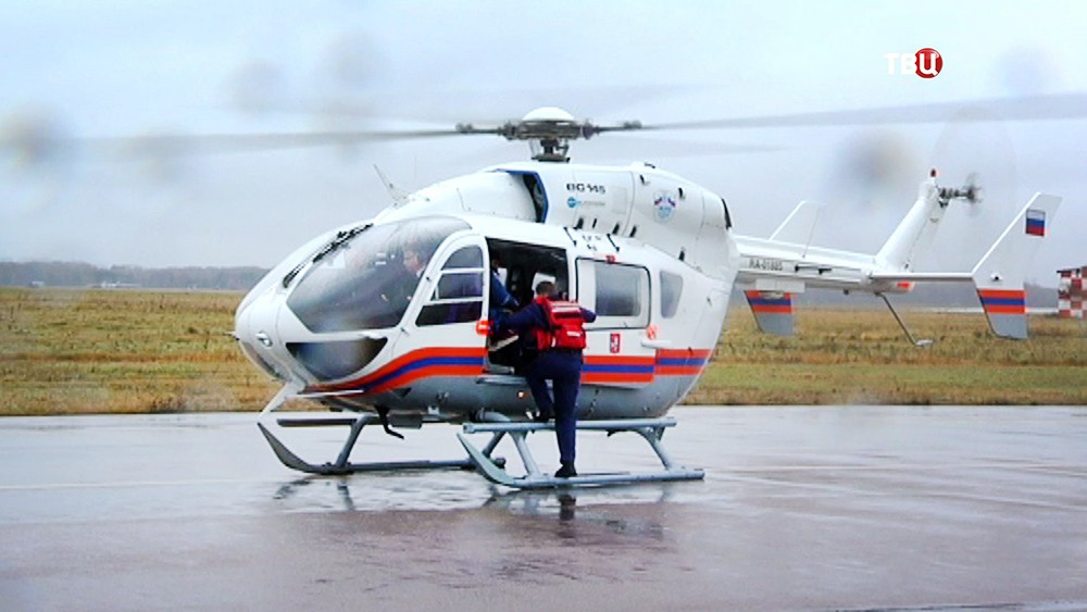 Медицинский вертолет МЧС