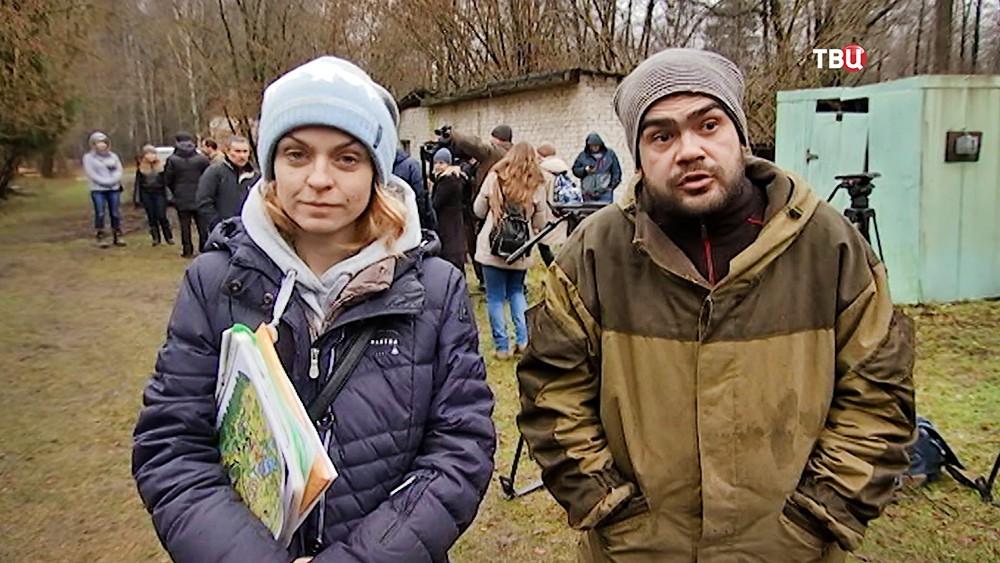 Работница кинозверобазы Валентина Сергеевна и зоозащитник Евгений