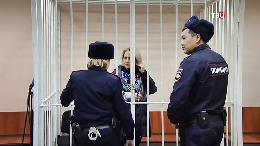 """Елена Повидало в суде по делу о деятельности """"чёрных риелторов"""""""