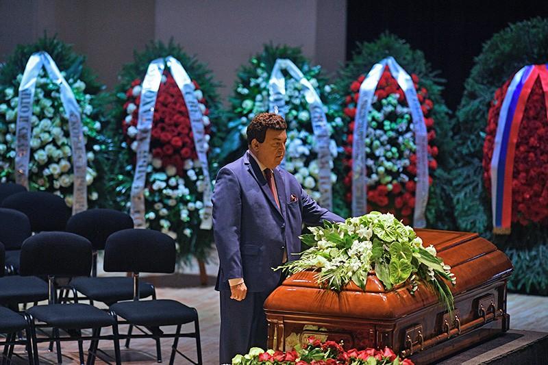 Депутат Государственной Думы РФ, певец Иосиф Кобзон на церемонии прощания с оперным певцом Дмитрием Хворостовским