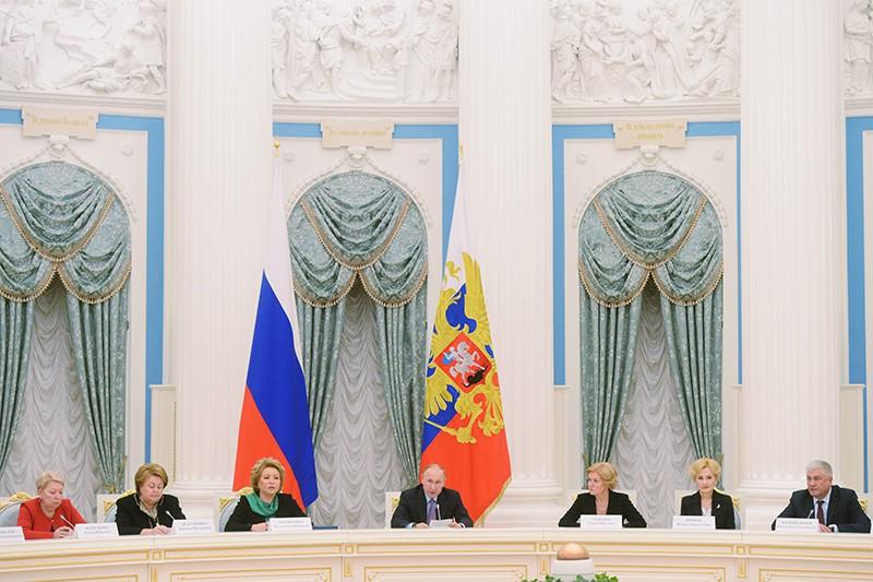Президент России Владимир Путин проводит заключительное заседание Координационного совета по реализации Национальной стратегии действий в интересах детей