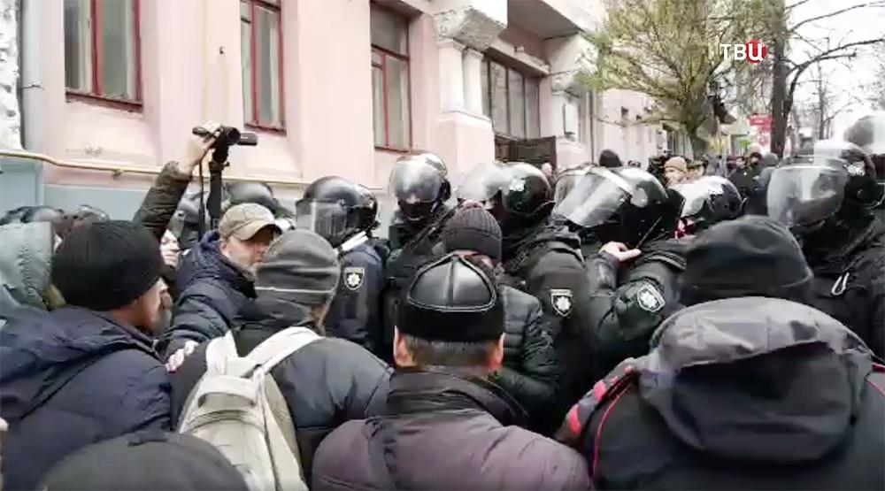 Оцепление у дома Михаила Саакашвили