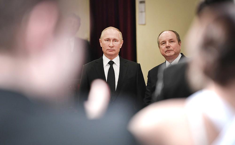 Владимир Путин посетил академию искусств для людей с ограниченными возможностямидимирдимир