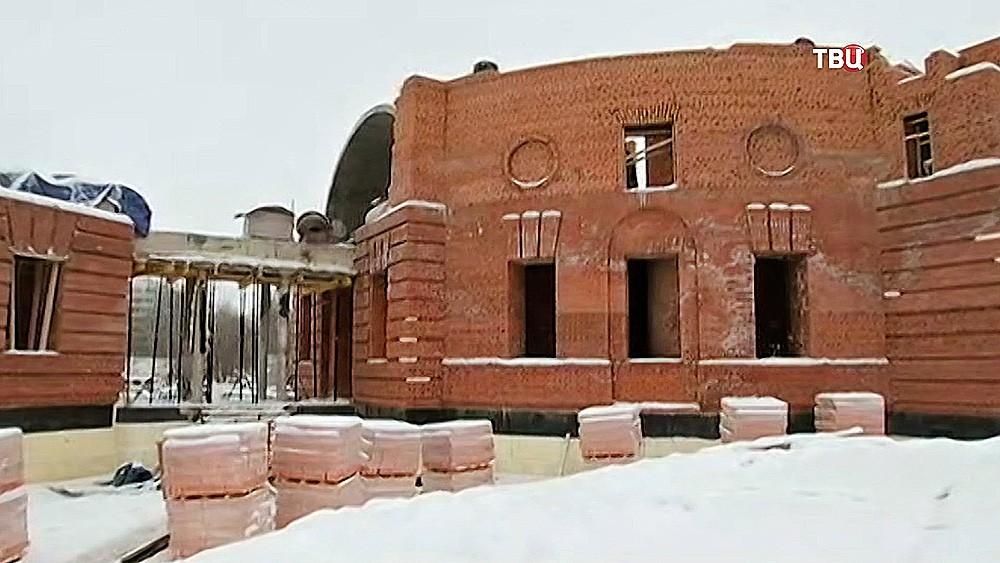 Владимир Ресин проверил ход работ построительству храмов врайоне