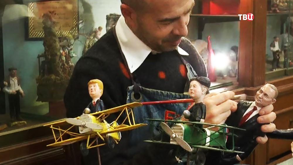 Рождественские фигурки с Путиным, Трампом и Ким Чен Ыном