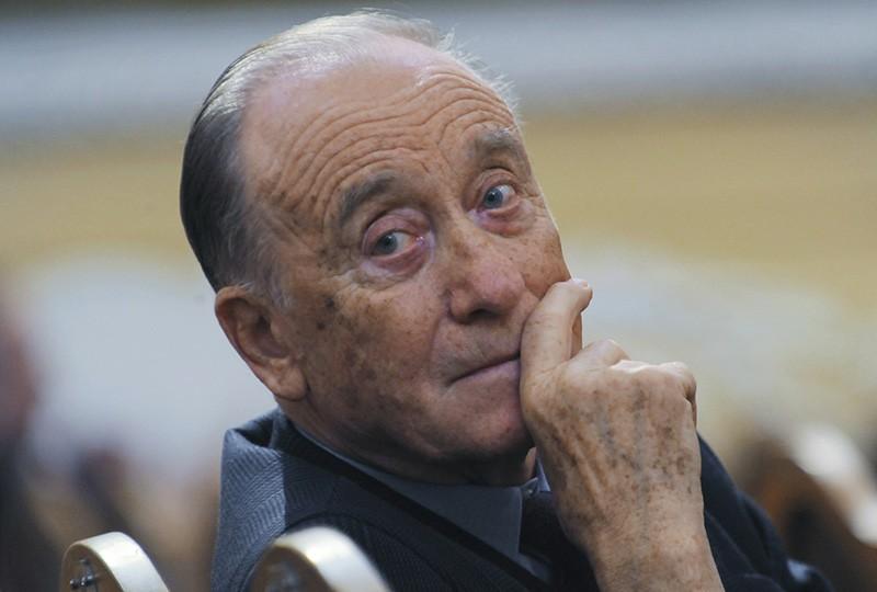 Путин поздравил Щедрина с85-летием ивручил ему картину «Монтажник-высотник»