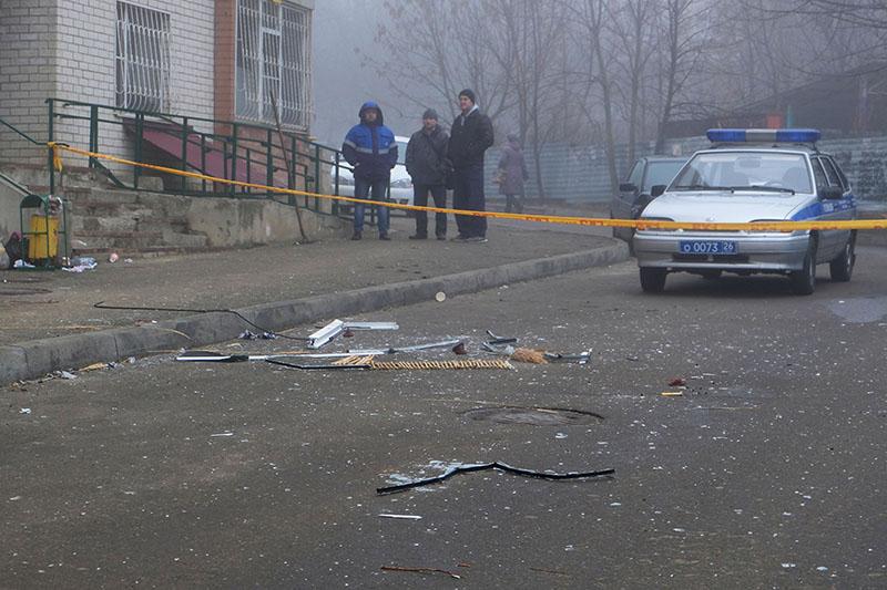 Ситуация у жилого дома по улице 50 лет ВЛКСМ в Ставрополе, в котором произошел взрыв гранаты