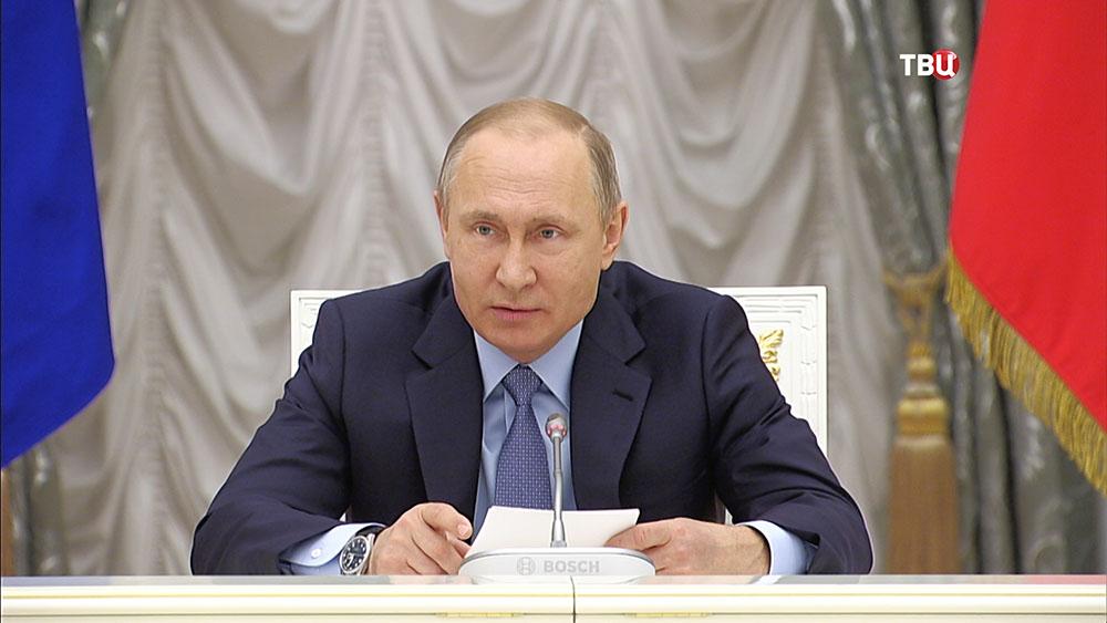 Путин призвал навести порядок сплатежами заобслуживание домов
