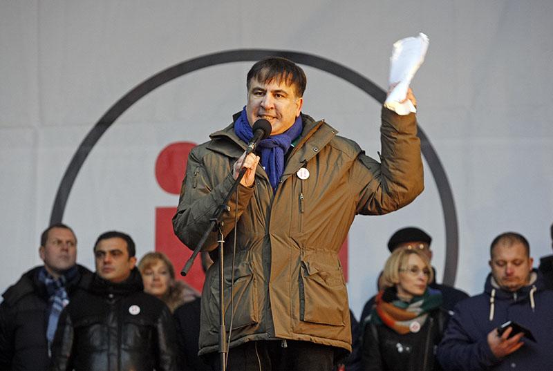 Михаил Саакашвили выступает на митинге в центре Киеве