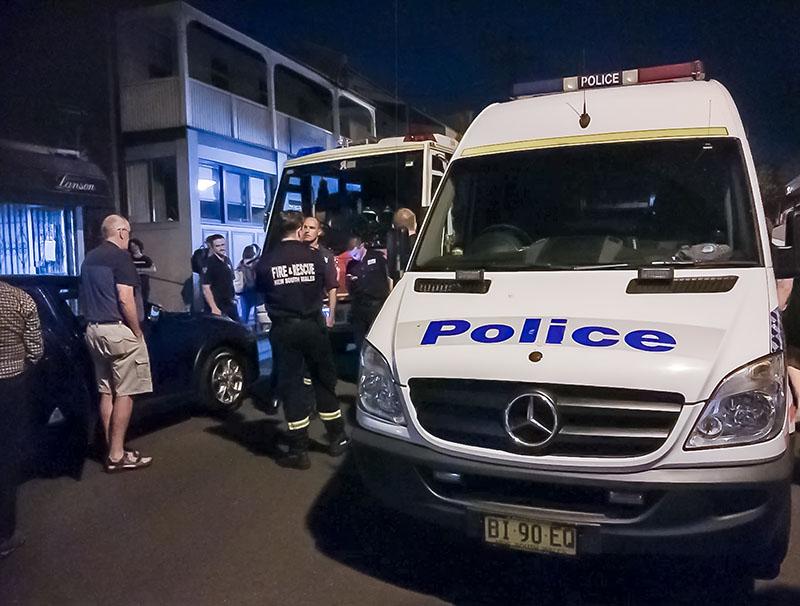Полиция Австралии на месте происшествия