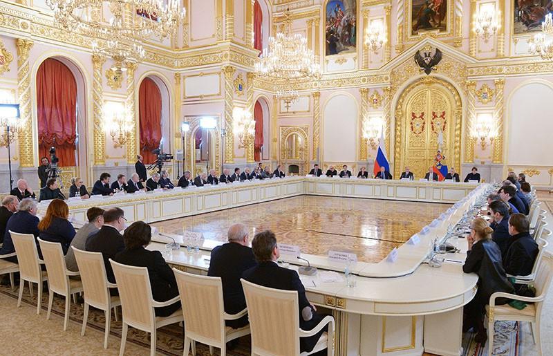 Президент России Владимир Путин проводит заседание Совета по культуре и искусству
