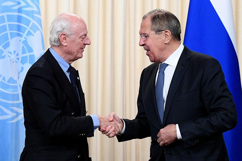 Глава МИД России Сергей Лавров во время встречи со специальным представителем Генерального секретаря ООН по Сирии Стаффаном де Мистурой